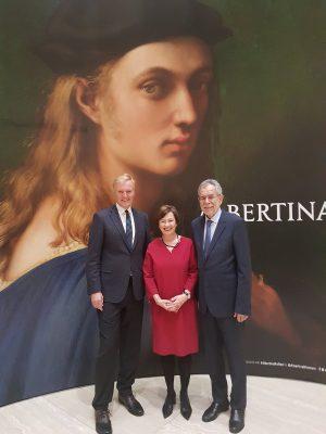 Und gleich nochmal hoher Besuch bei #AlbertinaRaffael 😀 Auch Bundespräsident Alexander Van der Bellen ist hier! Ihr...