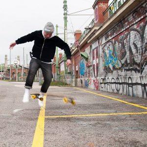 Longboard checker 😎😁 #longboarding #tricks #skatelife Vienna, Austria