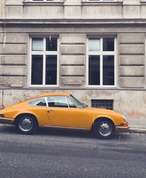 ¿Down for a ride . #city #photography #cars #porsche #myporschemoment #thealluringchronicles #art #street #carsofinstagram #carspotting #igersvienna #vienna...