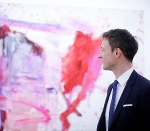 """Kulturminister @gernot_bluemel gestern bei der Eröffnung der Ausstellung """"Martha Jungwirth"""" im @albertinamuseum - Die Ausstellung kann ab..."""
