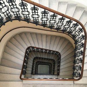Stairs Viennese-style, like a piece of art. #hotelambassadorvienna #theplacetobe Hotel Ambassador Vienna