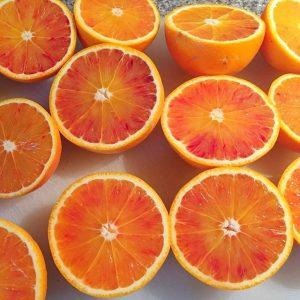 Makin' breakfast juice, baby! #juice #orange #fruit #nom #fresh #breakfast #organic #raw #healthy #powerboost #vitamins #liquidsunshine #sogood...