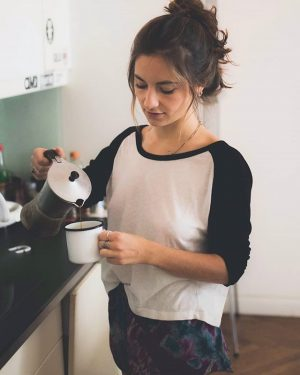 good morning coffee. ☕ @alele_b #coffee #goodmorning #saturday #weekend #wochenende #art #beautiful #girl #brownhair #longhair #messyhair #igersaustria...