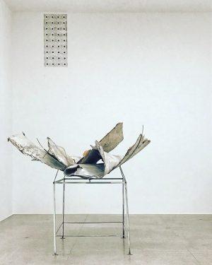 ⚂ ...𝙰𝚕𝚕'𝚊𝚛𝚝𝚎 𝚕𝚊 𝚜𝚞𝚊 𝚕𝚒𝚋𝚎𝚛𝚝𝚊̀. #rudolfpolanszky #secession #secessionvienna #vienna #austria #museum #minimalism #minimal #contemporaryart #contemporaryartist #contemporary #art...