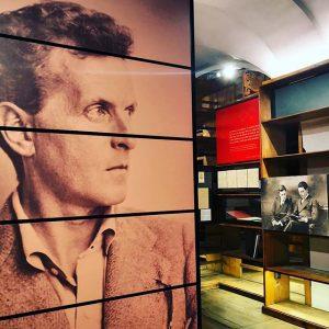 """InstaWalk im Literaturmuseum der Österreichischen Nationalbibliothek – Führung durch die Sonderausstellung """"Berg, Wittgenstein, Zuckerkandl. Zentralfiguren der Wiener..."""