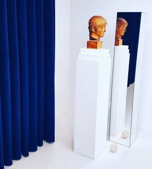 #apollon 💙 . . . #harisepaminonda #secession #sculpture #objectart #installation #artsy #exhibition #art #artshow #blueandwhite #conceptualart #minimal...