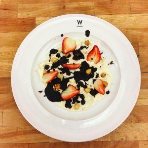 Strawberries, chocolate, nuts and stuff... #sweet #enough #desserts #dessert #strawberry #after #dinner #sugar #hazeleyes #chocolate #cream #yamiyami...