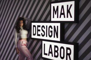 © Beste Fotografin @denipeeva 👩❤️👩 . . . . . #mak #museum #shooting #model #photographer #canon #nikon...