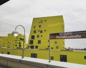 #WIEN #1230 #wohnbau #architecture #ubahn #yellow U-Bahn-Station Perfektastraße