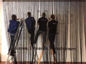 Finishing touch ✨Wir frisieren die Ausstellung noch auf. 😉Letzte Vorbereitungen für die Eröffnung heute Abend: Mit Haut...