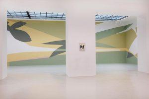 Frauke Dannert's exhibition 'Folie' on view until 28th of April 👌 . . #fraukedannert #folie #exhibition #mustsee #collage #architecture #flowers #leaves #spring #wallpainting 📸 @alois_ullrich Galerie Lisa Kandlhofer