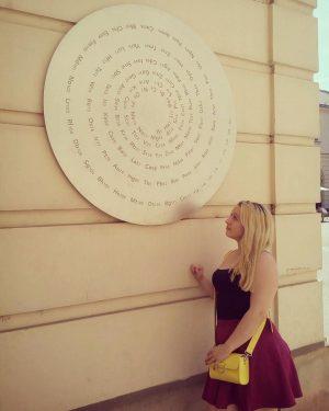 Nerdy AF. #nerd #nerdyart #art #museumsquartier #museum #vienna #wien #austria #trip #weekend #travelling #traveller #polishgirl #czechgirl #periodictable...