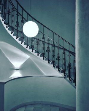 Stairway to book heaven • #staircasefriday #treppenhausfreitag #theworldneedsmorespiralstaircases #spiralstaircase #tv_spiralstaircases #staircase #stairporn #architecture #architexture #architecturelovers #archilovers #archidaily...