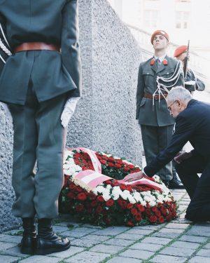 """""""Wir gedenken der Opfer des Nationalsozialismus, der Opfer von Krieg und Faschismus."""" Bundespräsident Alexander Van der Bellen..."""