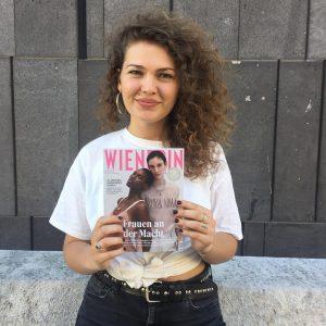Wir haben heute Journalistin & #covermodel2018 Jury-Mitglied @alexandra_stanic zum Instastory-GIF-Interview getroffen 💘 Ihr ...