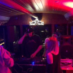 Circling with the waxos... #redbullmusicfestival #spinningweel #riesenrad #teamrevolvers #taggitnow