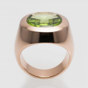 Green #Peridot #signet #highjewelry #jewelry #jewellery #ring #silver #gold #fine #artisan #luxury #custom #art #blingbling #fashion #hautejewelry...
