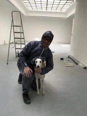 Gianni Manhattan install team @jameslewissiwelsemaj #pablothewhippet #arthandling #installing #painting #whippetsofinstagram #instawhippet #diy #architecture #contemporaryart #artdog