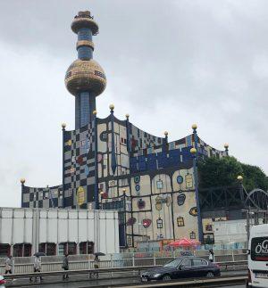 Inceneritore di Vienna-opera di Hundertwasser #hundertwasser #fernwärmewien #artofhundertwasser