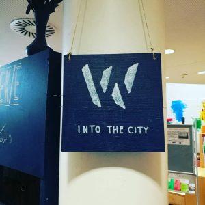 Eröffnung von Archipelago! Das diesjährige Into the City-Projekt gastiert bis 16. Juni in der Hauptbücherei am Gürtel....