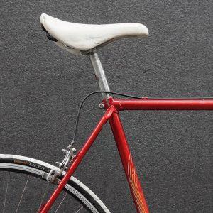 vintage puch roadbike . . #bikeshit #bikelove #puch #roadbike #lovesroadbikes #steelframe #steelisreal #red #white #vintagebike #keepriding #igersaustria...