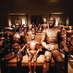 they were so many 😱 . . . #eerie #sombresociety #dark #uncanny #mannequin #ydessahendeles #deathtopigs #environment #objectart...