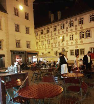 VIENNA/ FRANZISKANERPLATZ . . . . . . . . . . #franziskanerplatz #kleinescafe #gutenachtwien #vienna_austria #igersvienna...