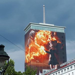 Ringturm @1010 Vienna #wien #vienna #viennastandard #ringturm #fire #art #photography #spectacular