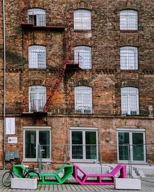 Right before the summer rain 💧💧at #BrotfabrikWien 🥖 #Anker #Brotfabrik #Ziegelstein #Enzis #KulturImZehnten #WienFavoriten #HippesFavoriten #Expedithalle #AnkerBrotfabrik...