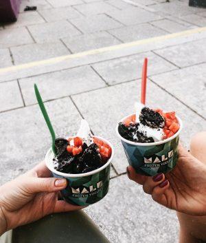 FroYo mit @johanna.magdaleni ist immer eine gute Idee 💕🍦 #froyo #vienna #lovemycity • • • • •...
