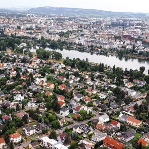 Viena, Austria #viena #wien #austria #tower #danubio #danubiotower #travellingphoto #travellingineurope #travelling #traveller #travelllover #férias #férias2018 #instatravel #instago...