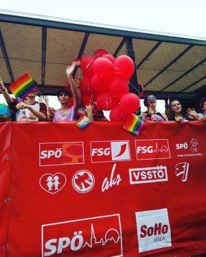 Regenbogenparade 🌈 // #viennapride #europride #igersvienna #pridevillage #vienna #lgbtiq #lsbtiq #queer #pride #loveislove ...
