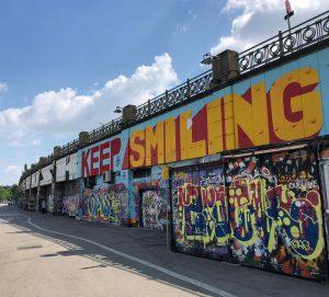 #keepsmiling 😁 It looks great on you! #smile #vienna #danubecanal #streetart #urbanart #wallart #graffiti #wien #donaukanal