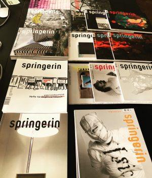 bei der Springerin - Hefte für Gegenwartskunst, empfangen von Herausgeberin Hedwig Saxenhuber! #sommerakademiefuerkulturmanagement ...