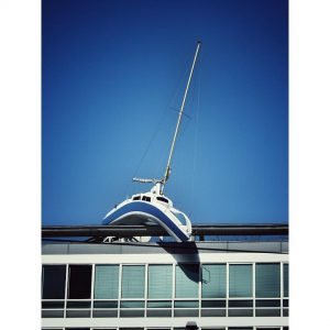 Boot am Dach. #boat #rooftop #1030 . . . #wieninfarbe #wanderlust #vienna_wanderlust #impressions #vienna #austria #travel #österreich...