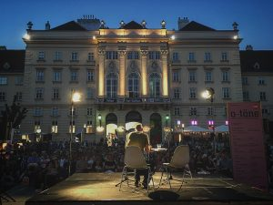 O-Töne last night with Arno Geiger and Yara Lee. Fabulous to see what a huge turnout there...