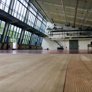 Gleich geht's los! 😍 #impulstanz #samanthavanwissen #lovetodance #zeitgenössischertanz #training #tanzwochen Arsenal (Vienna)
