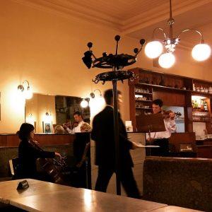 #ohvienna #feelslikehome #sundayevening #waltz #aberdieküchehatschonzu - nur das ma uns versteh'n Café Bräunerhof