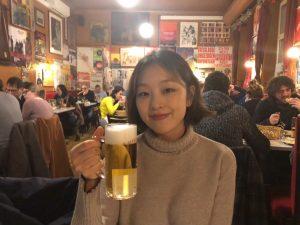 동양인은 우리밖에 없던 로컬펍🍺 빵+버터+치즈 조합은 진리🍻 도대체 하룻밤에 얼마나 간건지ㅋㅋㅋ . #비엔나#비엔나맥주#wien#vienna#beer#altwien Kaffee Alt Wien