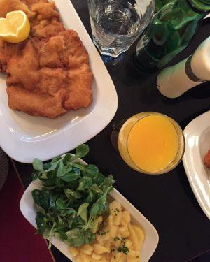 #Schnitzel Café Engländer
