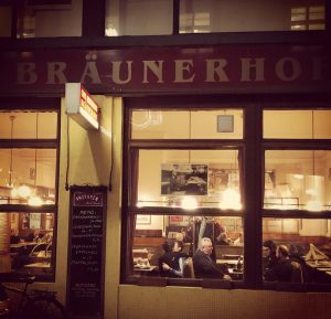 Café Bräunerhof, Stallburggasse 2, Wien I. #picoftheday #1930s #1930sstyle #café #wienerkaffeehaus #wienwiennurduallein #cafesociety #cafestagram #wien #vienna #kaffeehaus...