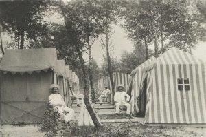 Kabinenparty Gänsehäufel, 1910er Jahre Foto: Sammlung Wien Museum #gänsehäufel #sammlung #wienmuseum #stadtgeschichte Gänsehäufel