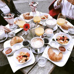 Breakfast & Brunch Week 3/7 🥐☕ Leckere Werbung im Anmarsch 💕 Das heutige Frühstücksziel ist das @CafeFrancaisWien...