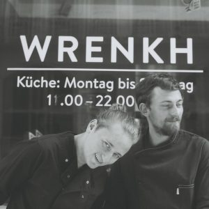 Brothers@wrenkh #wien #brotherandsister #summertime #thegreatoutdoors #city #center #viennalocal #allaboutthefood