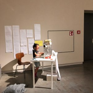 #day34 #travelwithmylittlegirl #vienna #wien #비엔나 #오스트리아 #7살딸과49일간의여행 #쨍쨍하다천둥번개소나기 . #mq #museumquartier . #kunsthallewien ...