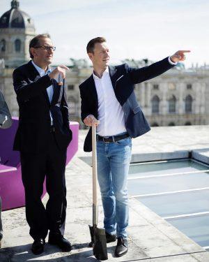 Spatenstich über den Dächern von Wien: Kulturminister @gernot_bluemel war heute beim Spatenstich auf dem Leopold Museum im...