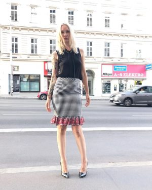 #newarrival ❤️ Ingrid #wearing our #newin #skirt by #elliwhiteparis for €69,- with a #sleeveless #blouse by #frenchconnection...