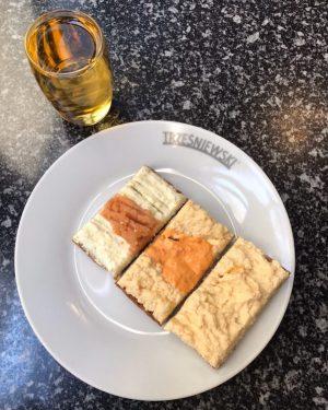 Lunch today 😉. #lunch #lunchtime #brötchen #sandwich #apfelsaft #vienna #city #sunny #citytrip #wien #stadtspaziergang #austria #österreich #delicate...