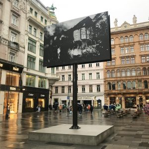 #monicabonvicini all day night smoke, 2018, vienna @bonvicinimonica Am Graben