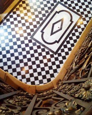 Hidden Floor Beauty. . . Thanks @wienmuseum @igersaustria and @igersvienna for this Instawalk. . . #hermesvilla #wienmuseum...